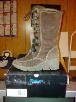 Woman's winter boot - $25