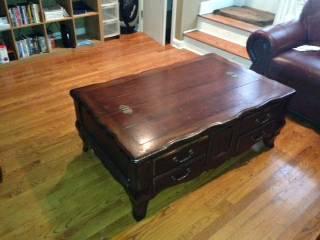 Beautiful coffee table - $250