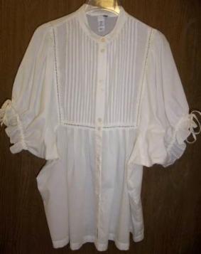 Feminine white blouse