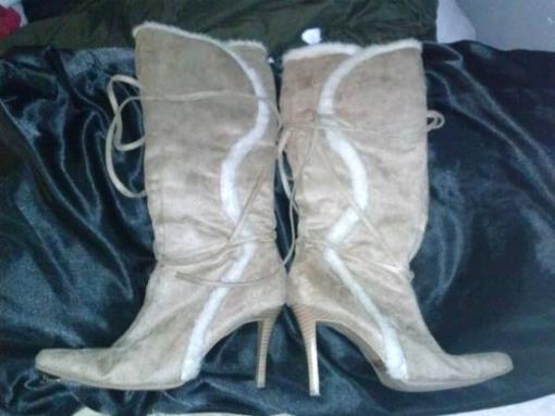 Womens heel boots, tan-fur - $20