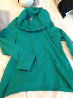 Cashmere green extra large sweater - $40