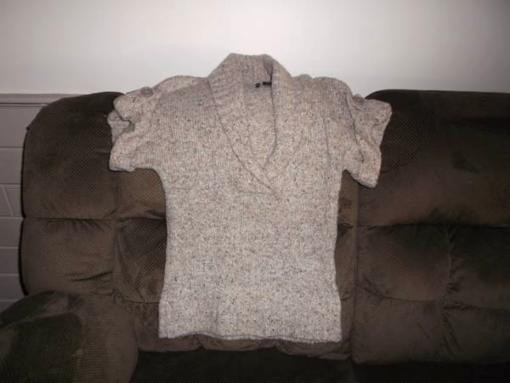 Sweater Women's medium tan - $2