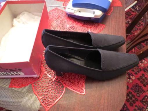 vanelli womens black pumps size 10 m - $45