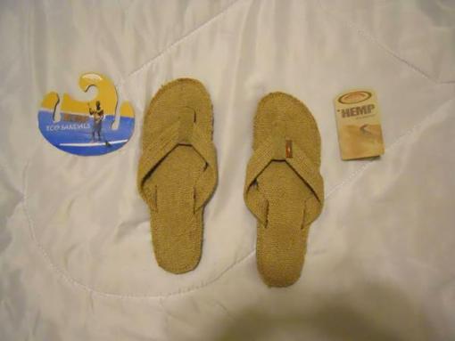 Women's Rainbow Sandals Size M - $25